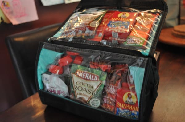 Travel Snacks for Kids includes tips on storage containers, plane snacks, activities, rewards and prizes. #kidssnacks #kids #travel #travelsnacks #travelkids