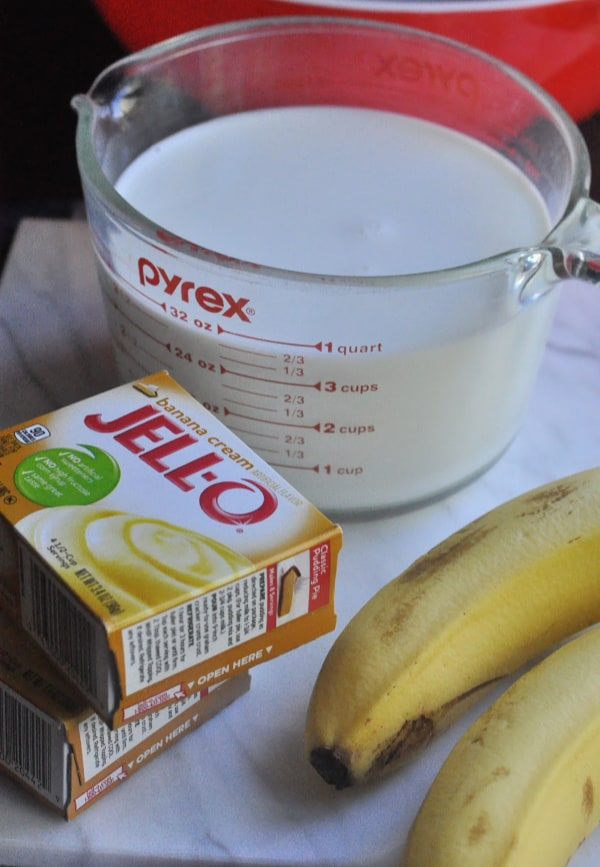 Quick banana pudding recipe displayed with Jello pudding