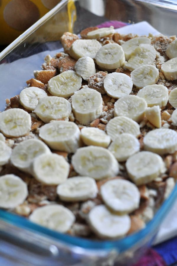 Quick banana pudding recipe displayed with fresh bananas and Nilla wafers
