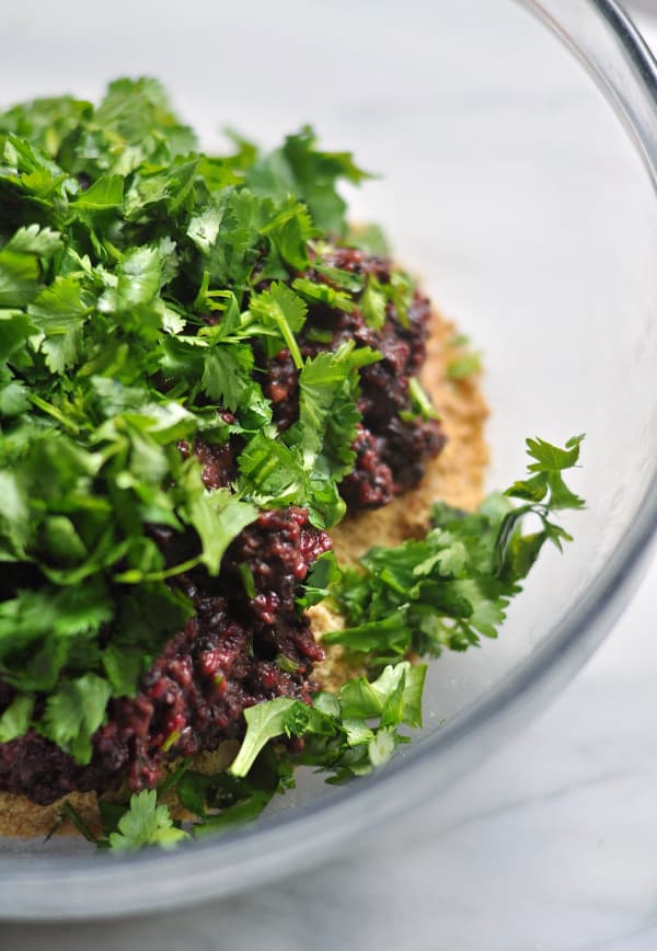 Mushroom and Beet Black Bean Burger how to bind recipe